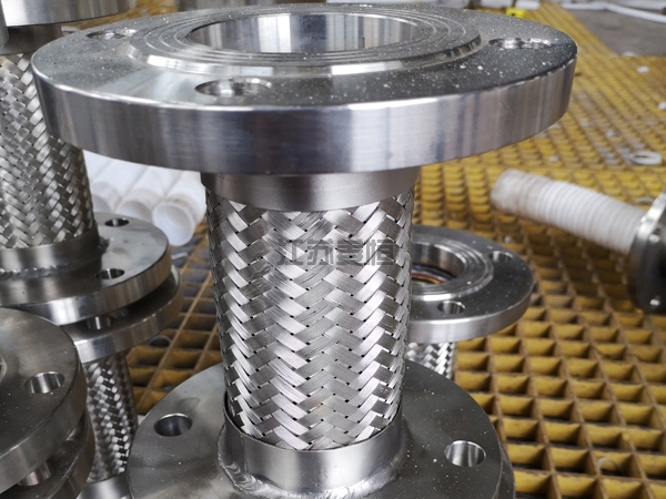 不锈钢法兰泵连接软管